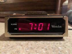 WESTCLOX DYNAMIQUE #22644 Vintage Woodgrain Digital Alarm Clock NICE!!