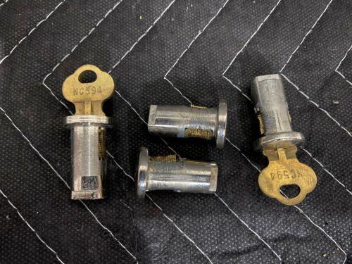 4 Lock & 2 Key NOS ORIGINAL Northwestern Gumball Candy Nut Bulk Vending Machine