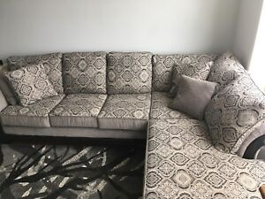 Very comfy Sectional like new