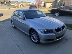 2011 BMW 323i - Like New