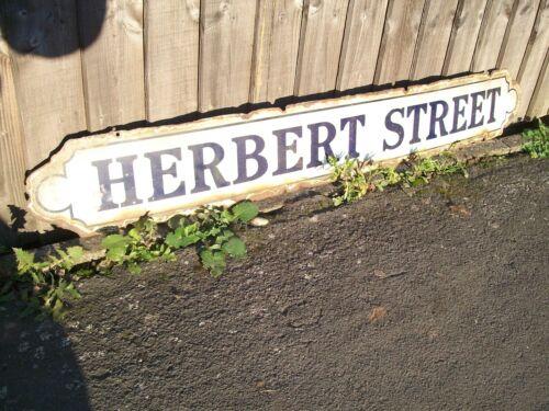 VINTAGE ENAMEL PORCELAIN ENGLISH STREET NAME SIGN HERBERT STREET