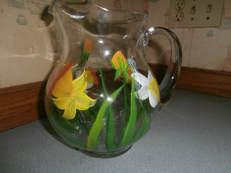 HAND PAINTED IN SPRING DAFFODILS ROUND PITCHER. 64 OUNCES