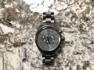 Men's grey fossil watch (used)
