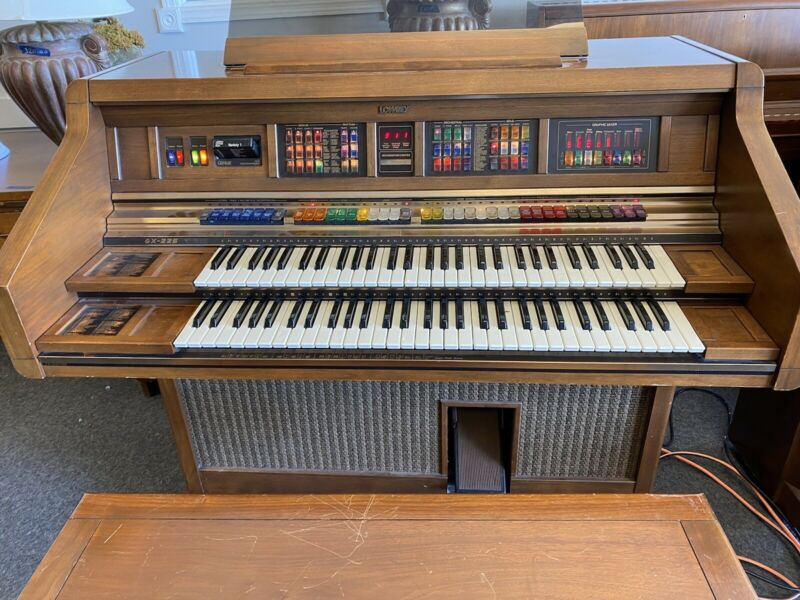 MAGNIFICENT LOWREY GX-225, VERY HIGH TECH early 1990