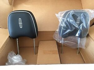 Lincoln MKX headrests