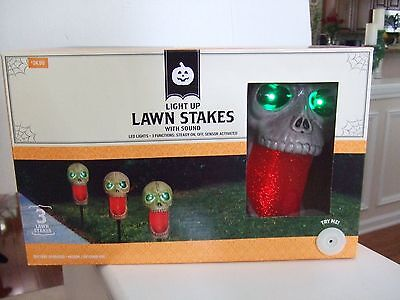 Halloween Skull Lawn Stakes Light Up w/ Sound LED Lights Set of 3 Indoor/Outdoor](Skull Lawn Stakes)