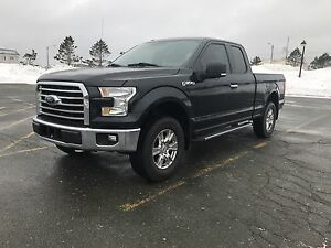 2015 FORD F-150 XLT 4X4 WITH ONLY 25000 KMS