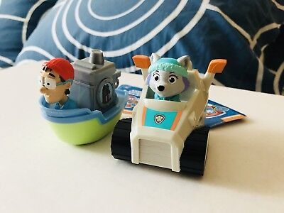 Very Rare Kids Paw Patrol Everest and Captain Turbot Boat Racer Figures Toys Set