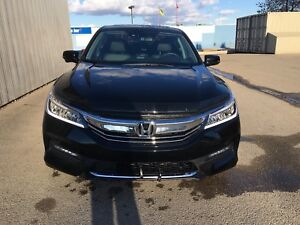 REDUCED: 2016 HONDA ACCORD TOURING. NEW CONDITION