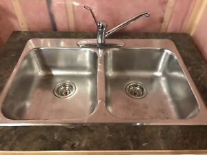 Kitchen sink with caninet