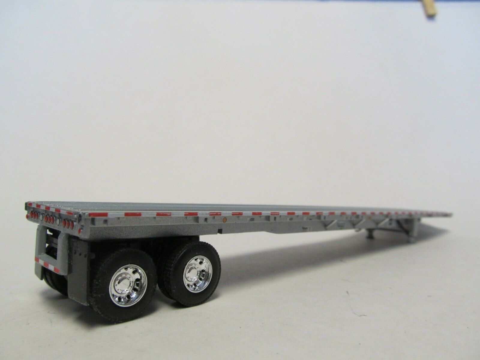 1  DCP 1/64 SCALE  ROAD  BRUTE  FLATBED  TRAILER SILVER DECK WITH SILVER FRAME 5