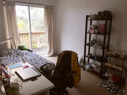 Furnished double sized room belconnen town centre