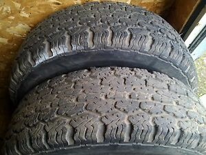 uniroyal 215-75-15 set of tires