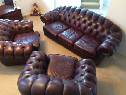 Leather Chesterfield Lounge
