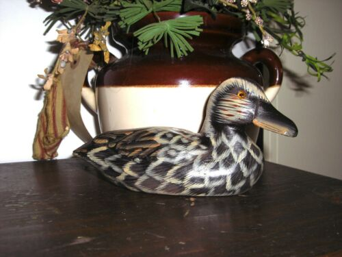 """Handcarved & Painted Wood LOON / Duck Black Gray Amber Eyes 6""""L 2""""W"""