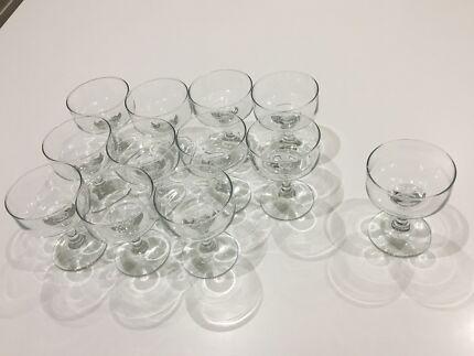 Retro champagne glasses x 12