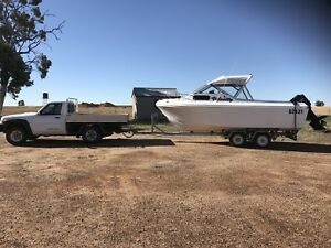 24ft fibreglass boat
