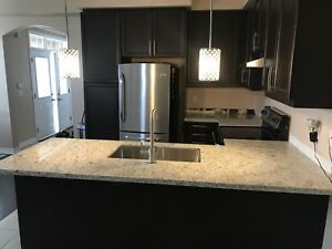 Quartz/Granite Kitchen Counter Tops - 1650 $ with Installation