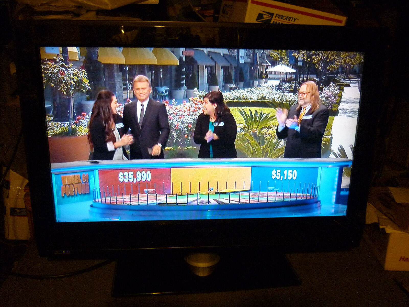 """** Local Pick, No Shipping,** 32HFL5850D / 27 Philips 32"""" LCD TV,"""