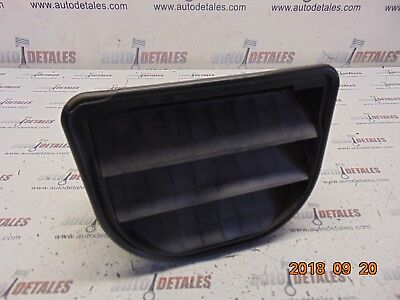 Volvo XC90 Rear left chassis ventilation with grill 31101024 Used 2004