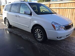 2011 Kia Sedona EX (NO ACCIDENT)(LEATHER)(POWER DOORS)(NAVI)
