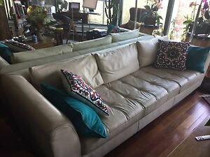 Leather sofa- maison corbeil- moving sale
