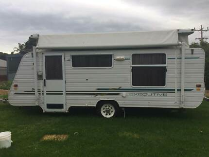 2006 Supreme Executive Caravan URGENT SALE