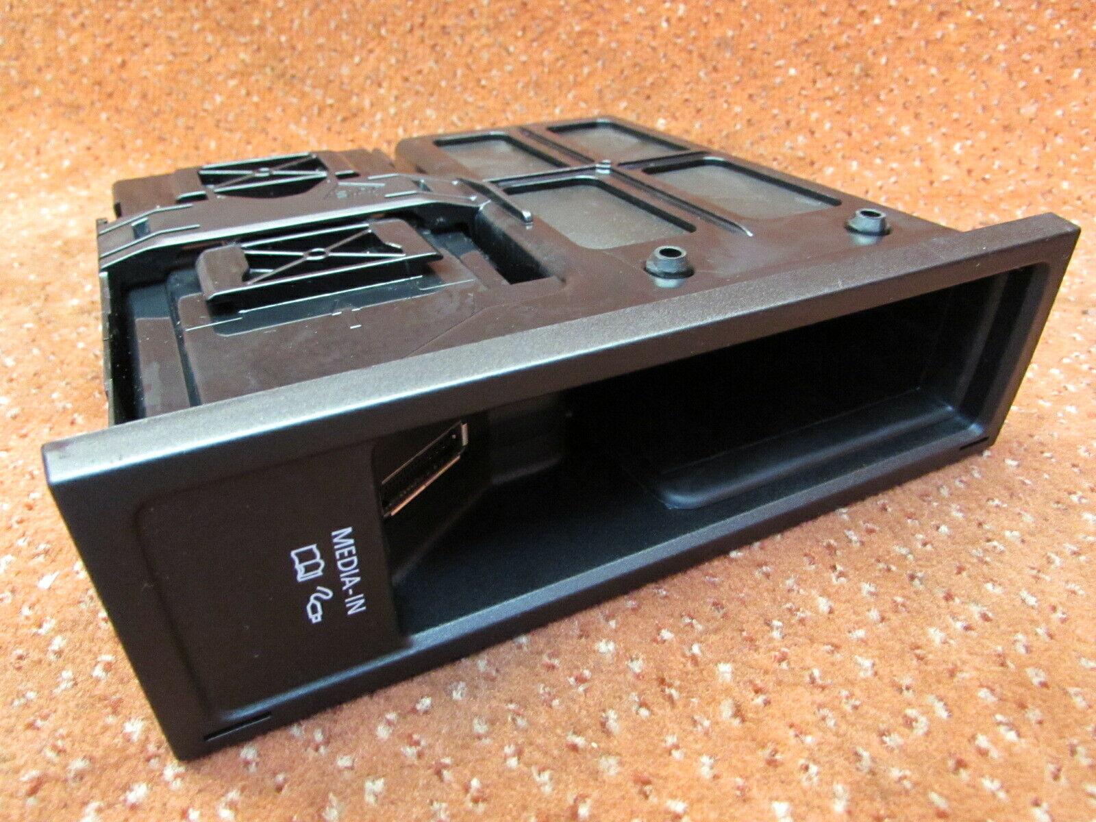 5N0035344H MDI Media in Anschluss Steuergerät VW EOS Polo 6R Golf 6