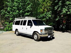 2011 FORD E350 10 PERSON VAN - OSOYOOS