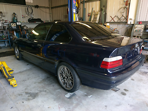 BMW 318 is coupe Bairnsdale East Gippsland Preview