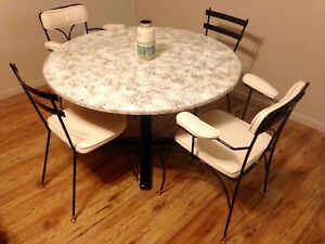 Sturdy pedestal table and four chairs