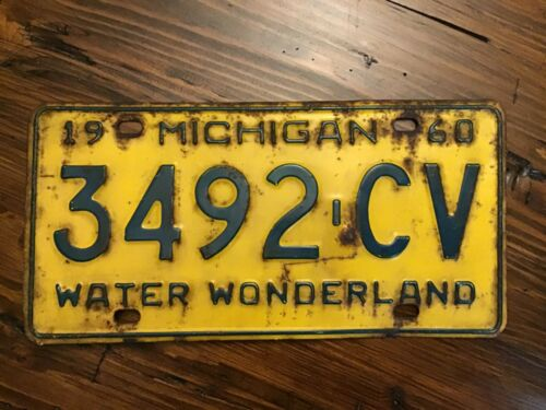 RARE 1960 Michigan License Plate Yellow / Green 3492-CV