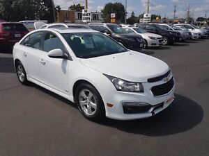 2015 CHEVROLET CRUZE 1LT- POWER GLASS SUNROOF, REAR VIEW CAMERA,