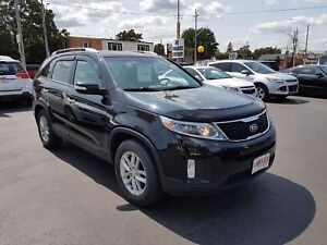 2014 KIA SORENTO LX V6- BACKUP SENSOR, HEATED FRONT SEATS, BLUET