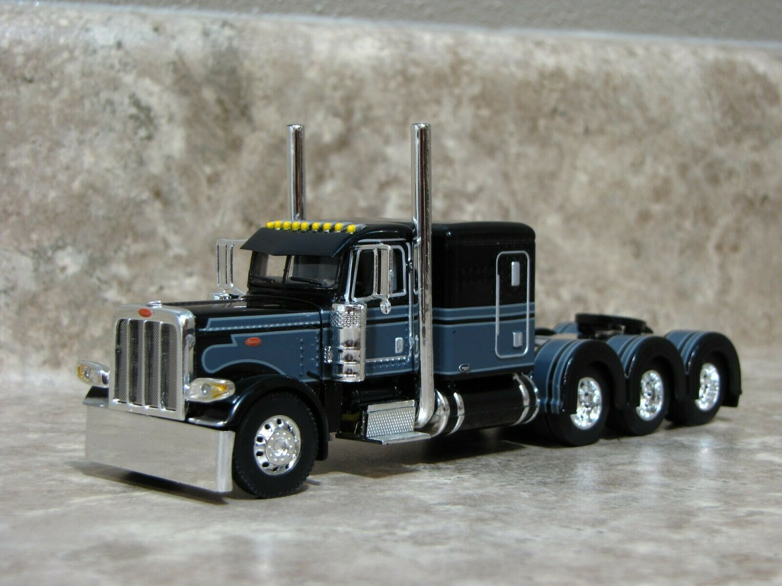 DCP 1/64 Black Gray Tri-Axle 389 Peterbilt Semi Truck Farm Toy