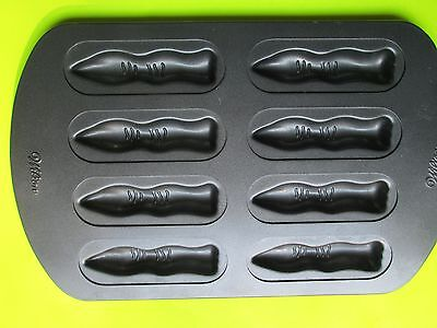 WILTON HALLOWEEN WITCH MONSTER FINGERS COOKIE CAKE CANDY PAN  HAS 8 CAVITIES