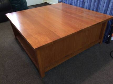 Beautiful Solid Hardwood Timber Coffee Table