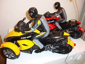 New Bright Can Am Spyder Remote Control motorbike trikes x 2 Beaudesert Ipswich South Preview