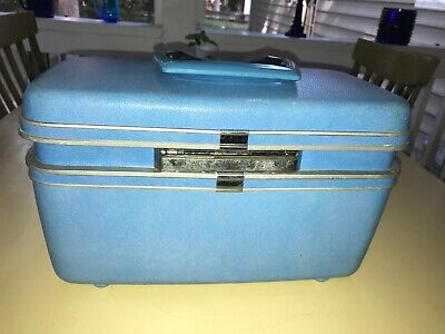 Samsonite Train Luggage Cosmetics Makeup Case Powder Blue with Mirror & Tray