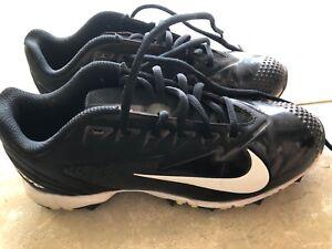 Nike baseball cleats size 4