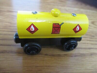 FUEL TANKER Toy LEARNING CURVE Fisher Price THOMAS & Friends WOOD Railway Train