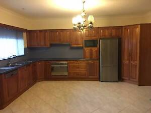 Excellent condition - second hand large family kitchen Bardwell Park Rockdale Area Preview