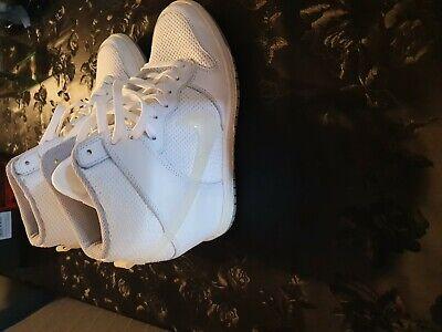 Nike women retro wedges size 4 half
