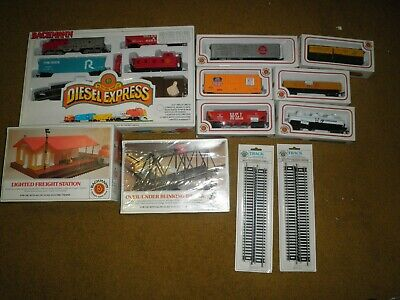 Vintage Bachman Diesel Express HO Scale Electric Train Set plus Extra Cars