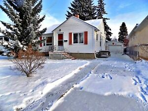 COZY 2-BDRM, 1 BATH BUNGALOW W/ HUGE BACKYARD IN CRESTWOOD