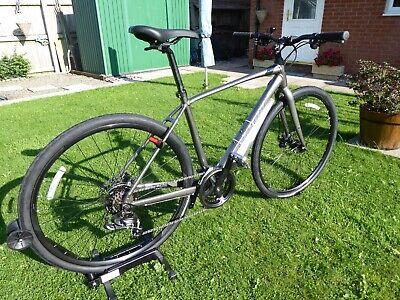 Mens hybrid Giant Escape 3 disc cycle bike Medium, black.Excellent, unmarked.