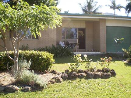 Spacious friendly house Mooroobool Cairns City Preview