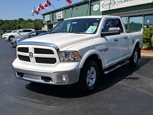 2016 RAM 1500 SLT 4X4/REMOTE STARTER/HEATED SEATS AND STEERIN...