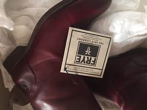 FRYE LEATHER BOOTS  SIZE8