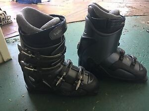 Size 30.5 Rossignol Ski boots Curl Curl Manly Area Preview